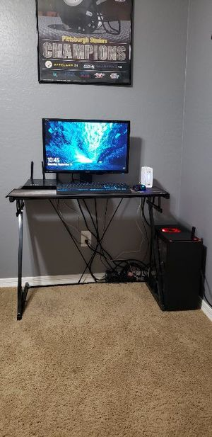 Computer Desk & Chair for Sale in Phoenix, AZ