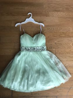 Size 6/7 Womens Homecoming/Prom/Wedding Dress for Sale in Bloomington,  IL