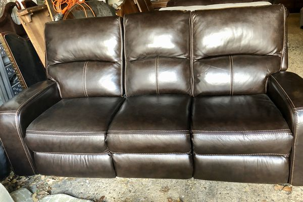 NEW Sawyer chocolate brown leather power USB reclining couch