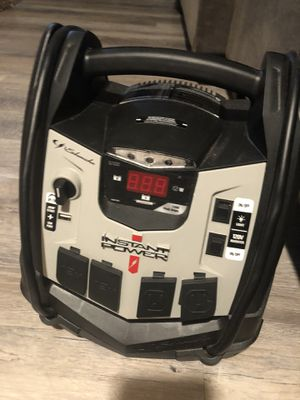 Car battery jumper and air compressor with 12amp outlets for Sale in Hilliard, OH