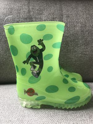 Raining boots for toddler. Size 8 for Sale in Alexandria, VA