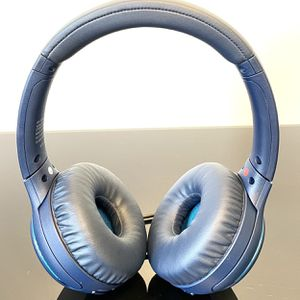 Sony WHXB700 Wireless Extra Bass Bluetooth Headset/Headphones with mic, blue for Sale in Sacramento, CA