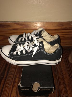 BLACK CONVERSE SIZE 6 for Sale in Cleveland, OH