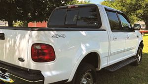 🌟Non-smoker $8OO Ford 2OO2 F-15O XLT🌟 for Sale in Baton Rouge, LA
