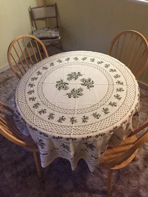 """42"""" table with 4 chairs for Sale in Roy, WA"""