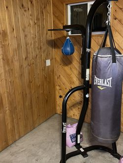 Boxing And Speed Bag Combo With Stand for Sale in Lawndale,  CA