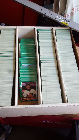 Big box mint condition Don Russ Baseball Cards for Sale in Tracy, CA