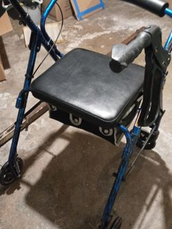 Rolater Walker With Seat for Sale in Columbus,  OH