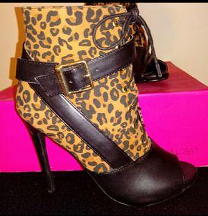 Shoe Dazzle leopard Bootie 4inch heel stiletto for Sale in Wake Forest, NC