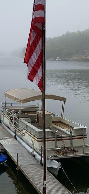 Pontoon boat for Sale in Harrison, MI