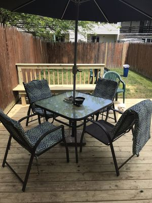 Outdoor patio 5 piece dining set with cushions for Sale in Wilmington, DE