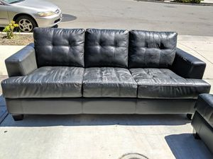 sofa loveseat & coffee table for Sale in Gilroy, CA