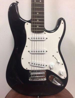 Fender Squier Mini Strat Electric Guitar Black for Sale in Miami, FL