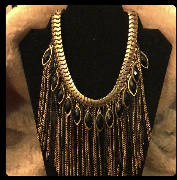 elegant statement necklace - will ship for $5