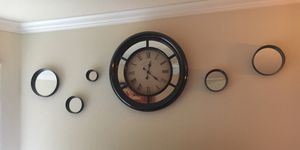 Mirro decor and clock in great condition for Sale in Phoenix, AZ