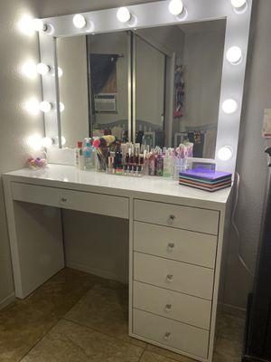 Makeup vanitys for Sale in Corona, CA