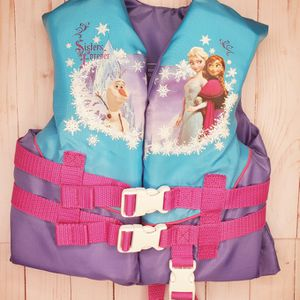 Disney Frozen Child Life Vest - Supports 30 - 50 Lbs for Sale in Lynnwood, WA