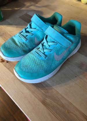 Girls Nike shoes size 13.5c good condition for Sale in Morgantown, WV