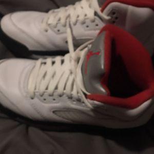 Air Jordan 5 Retro Fire Red (Read Description) for Sale in Atlanta, GA