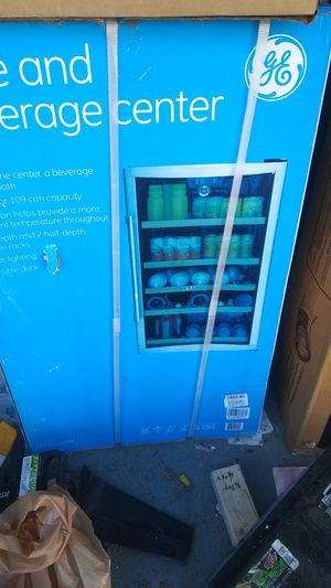 Ge mini fridge for Sale in Lawndale, CA