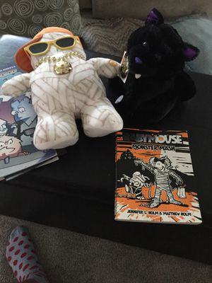 Halloween screaming cat/rapper ghost/two books for Sale in Cocoa, FL