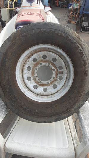 Goodyear g614 rst trailer tire for Sale in Las Vegas, NV