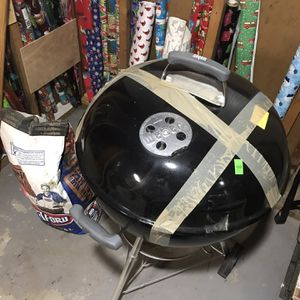 Weber Charcoal Grill With Bag Of Charcoal for Sale in East Islip, NY