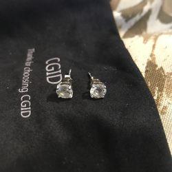 VS2-SI1 DIAMOND STUD EARRINGS for Sale in Bailey's Crossroads,  VA