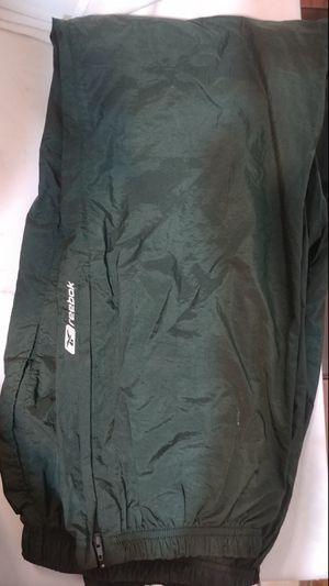 Reebok joggers. Men's Size Large for Sale in St. Louis, MO