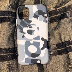 Supreme case Iphone 11 (reg size) for Sale in Murfreesboro, TN