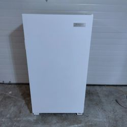 Frigidaire Freezer for Sale in Happy Valley,  OR