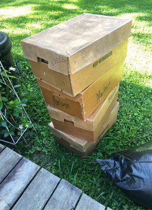 Free Wax Chicken Boxes for Sale in Central, LA
