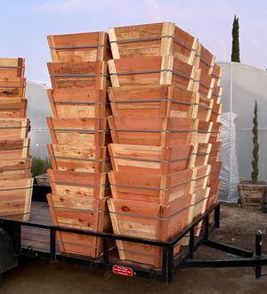 Redwood planters 24 gal for Sale in Perris, CA