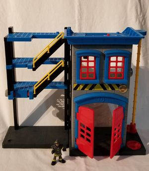 Imaginext Fire Fighters Fire House With Fireman for Sale in Hialeah, FL