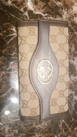 Gucci woman's wallet for Sale in Denver, CO
