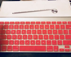 Apple MC184LL/B Wireless Keyboard for Sale in Brooklyn, OH