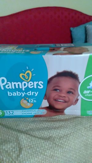 Big Unopened box of pampers size 5 for Sale in Treasure Island, FL