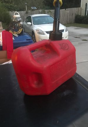 1,4 gallon gas container for Sale in Virginia Beach, VA