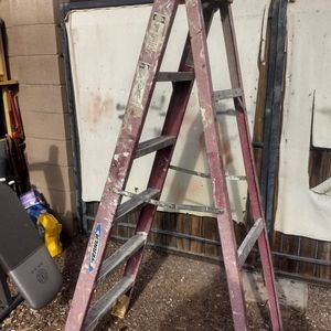 6 Foot Ladder for Sale in Peoria, AZ
