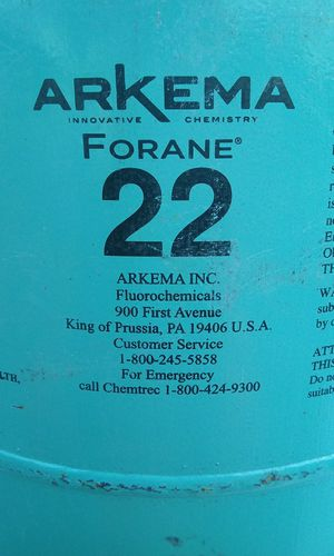 R22 freon 1/2 full 100$ for Sale in Greenville, TX