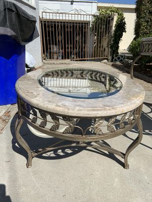 Coffee living room table set for Sale in San Diego, CA