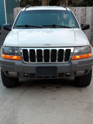 Jeep grand Cherokee Laredo for Sale in St. Augustine, FL