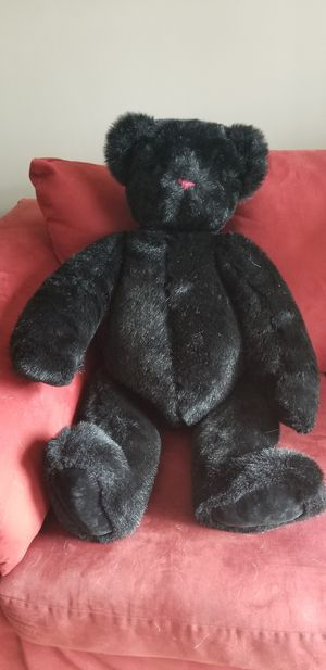 Beautiful bear in excellent condition. Bought at the Teddy bear factory in New Hampshire for Sale in Warwick, RI
