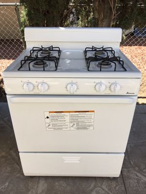 Amana Gas stove for Sale in Bloomington, CA
