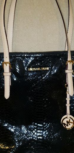 Michael Kors Purse for Sale in Oregon City,  OR