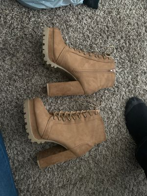 Size 9 Brown boots/ heels for Sale in Lexington, KY