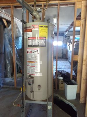 Watts 60 g tanked water heater for Sale in San Bruno, CA