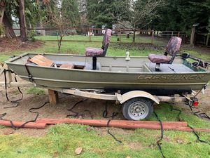 Crestliner aluminum Jon boat for Sale in Marysville, WA