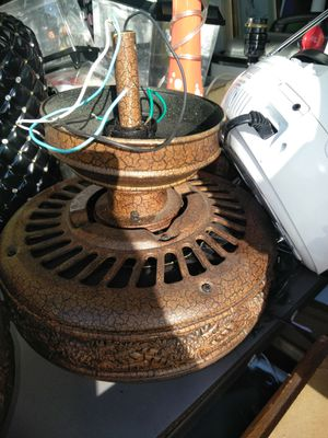 Ceiling fan in great condition for Sale in Lehigh Acres, FL
