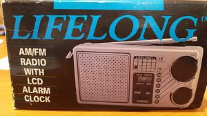 Lifelong AM/FM with LCD alarm clock for Sale in Los Angeles, CA